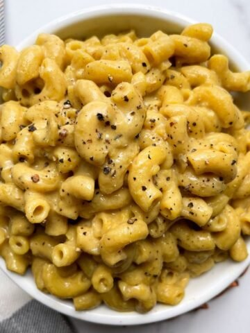 mac and cheese in white bowl